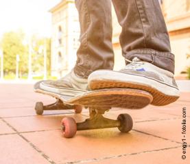 FreeGym Nutzer - Skateboard - Fotolia.com